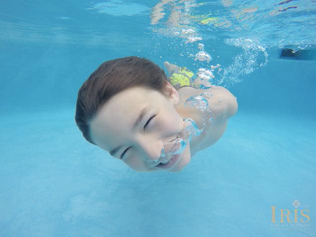 Underwater Family Photo Shoots